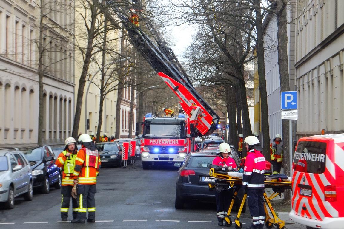 5 Verletzte bei Wohnungsbrand